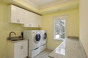 Laundry-Room-In-Luxury-Home
